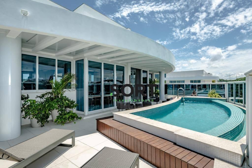 Brava Home Resort, Cobertura Duplex, 05 suítes, 08 vagas de garagem.