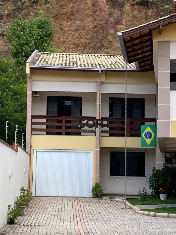 Casa, 3 Suítes, 1 dormitório, 2 vagas , Balneário Camboriú.