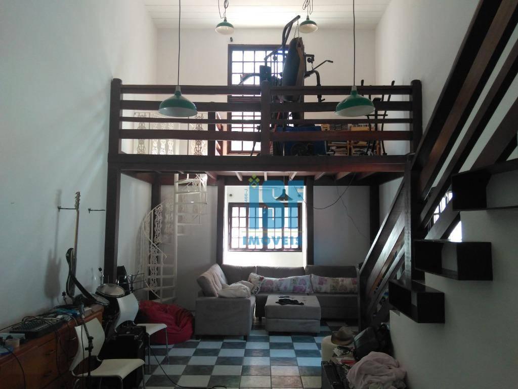 Casa com 3 dormitórios à venda, 65 m² por R$ 1.600.000 - Granja Viana/SP - CA1358.