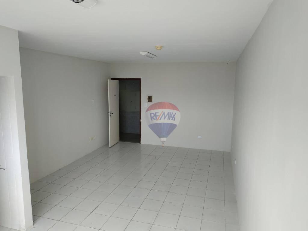 Sala com 32,00 m², ótima localização situado no polo hospitalar da Ilha do Leite Recife PE, à venda por R$ 220.000,00.