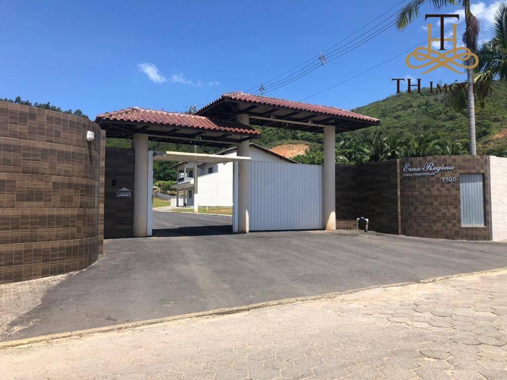 EXCELENTE TERRENO EM CAMBORIÚ, EM CONDOMÍNIO FECHADO, COM 303,96M² - R$ 220.000,00