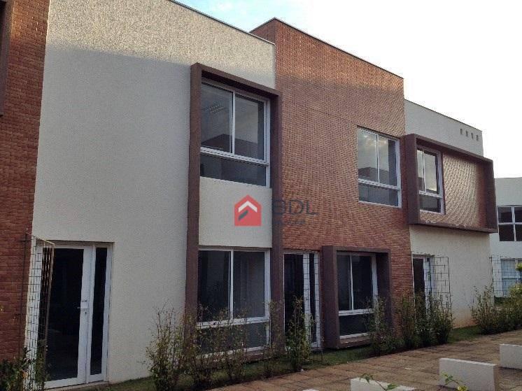 Prédio comercial para locação, Loteamento Center Santa Geneb