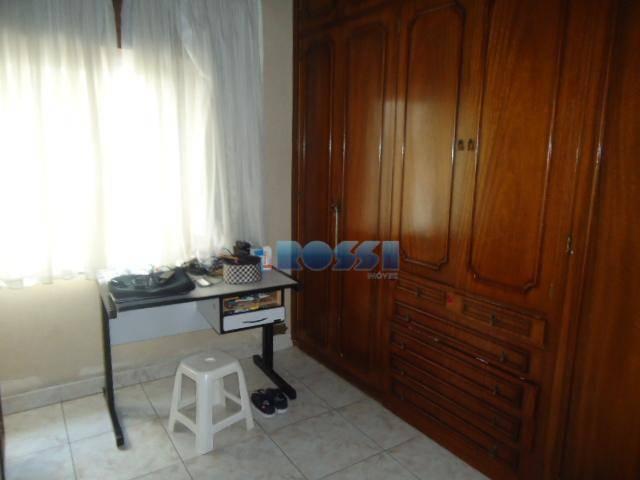 apartamento contendo 3 dormitórios, 2 wcs, sala ampla, cozinha, despensa, área de serviço. armários embutidos em...