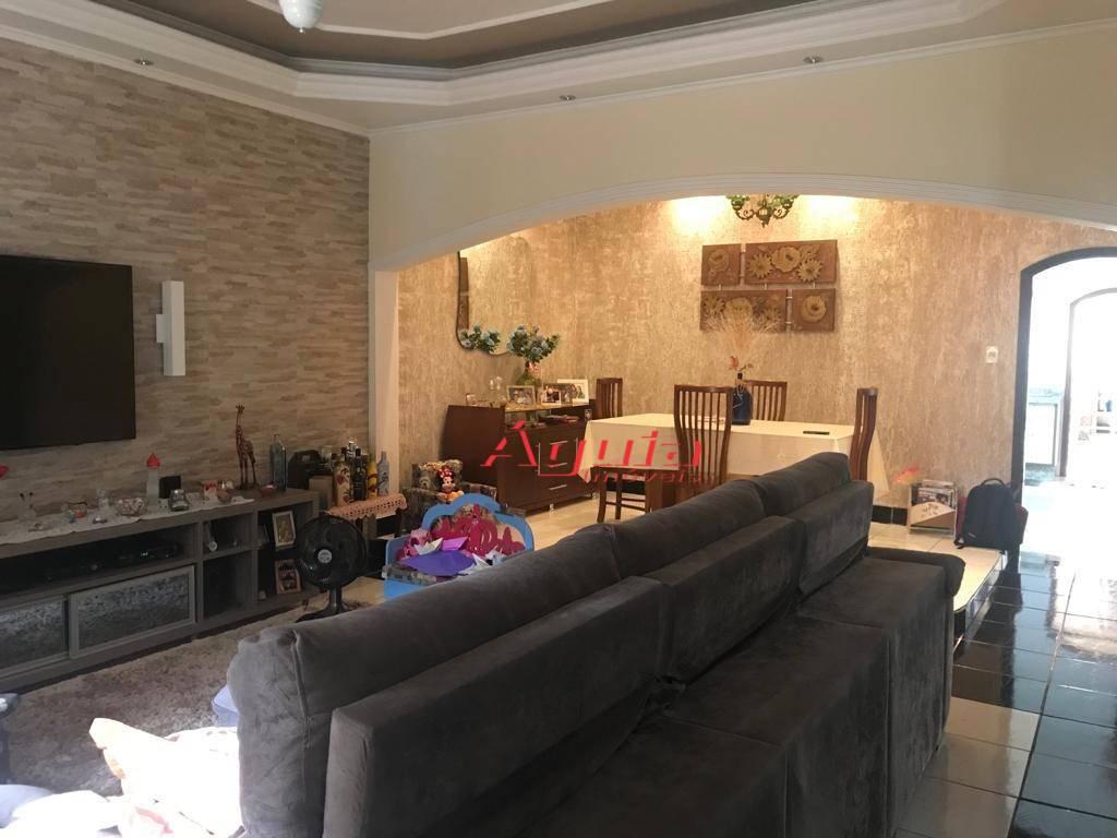 Casa com 3 dormitórios à venda, 150 m² por R$ 830.000 - Parque Marajoara - Santo André/SP