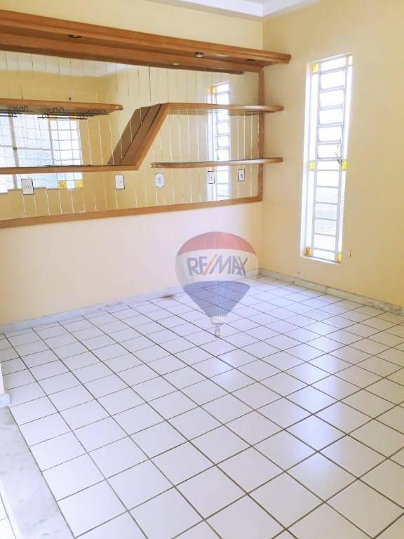 Casa condomínio Aldebarã Beta, 4 suítes.