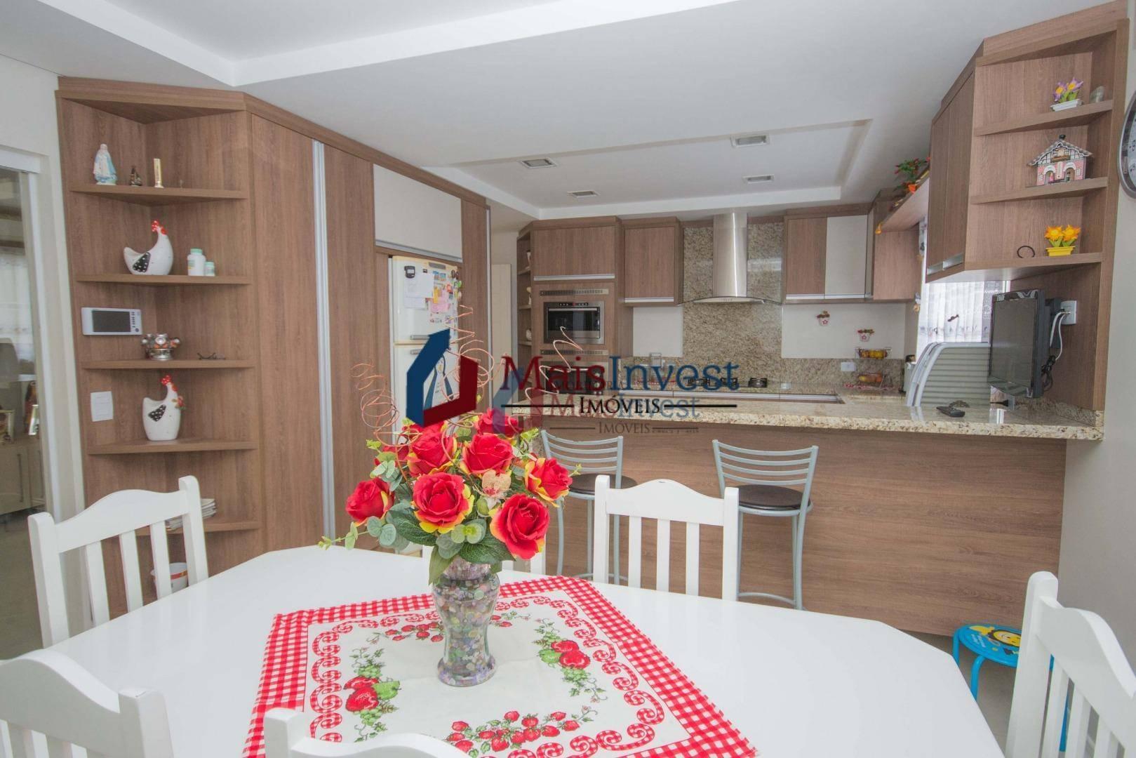 Sobrado com 4 dormitórios à venda, 295 m² - Centro - Quatro Barras/PR