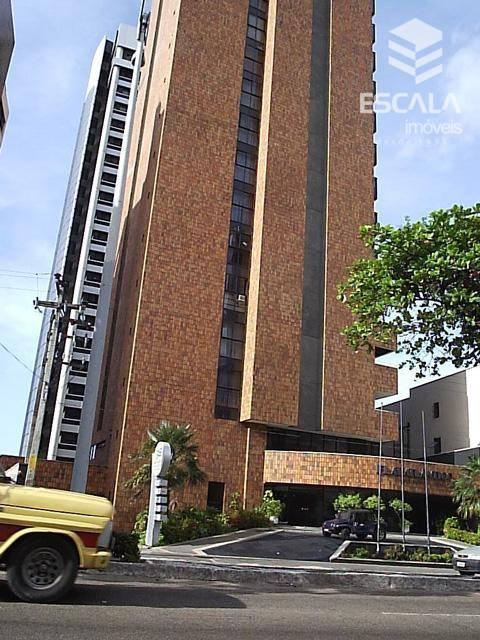 Flat 2 quartos à venda no Meireles, a 120m da av. Beira Mar, 57m2, 1 suíte, mobiliado, vista mar.