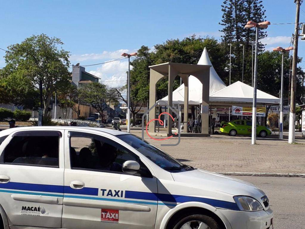 Loja em Centro  -  Macaé - RJ