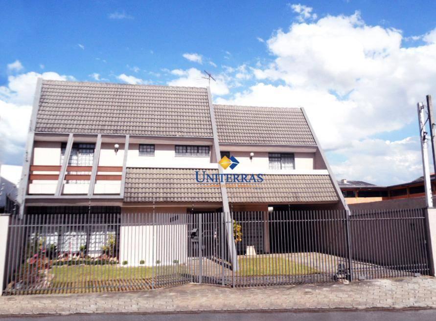 Casa Alto Padrão 5 Quartos - Pinheirinho em Curitiba