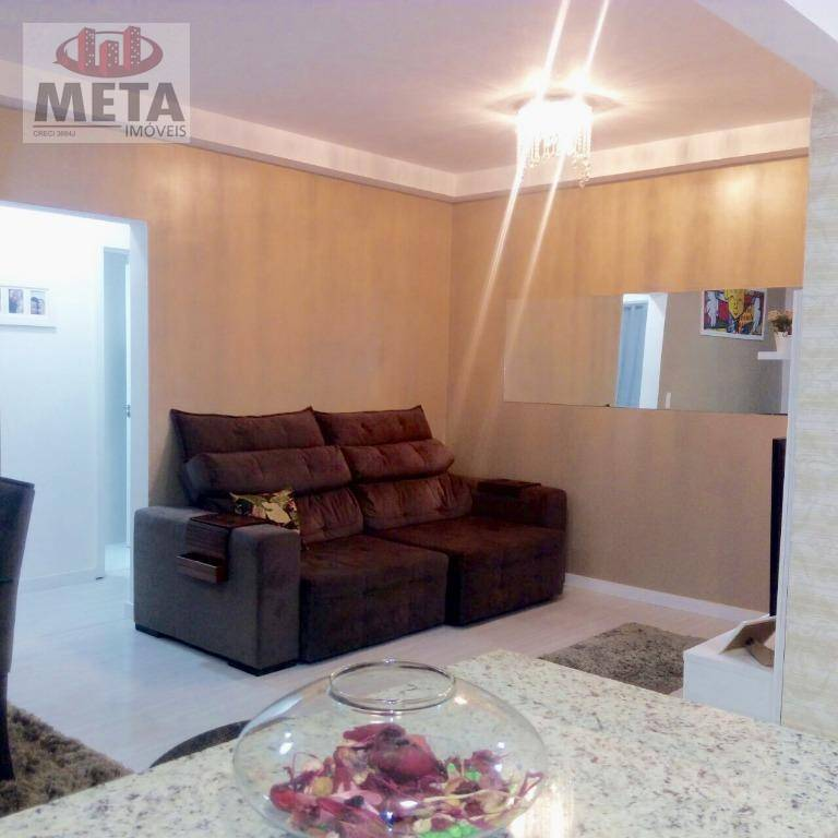 Apartamento com 2 Dormitórios à venda, 80 m² por R$ 319.000,00