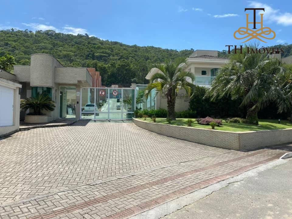 Sobrado com 3 dormitórios para alugar, 120 m² por R$3.200,00 + R$150,00 de condomínio - Nova Esperança - Balneário Camboriú/SC.