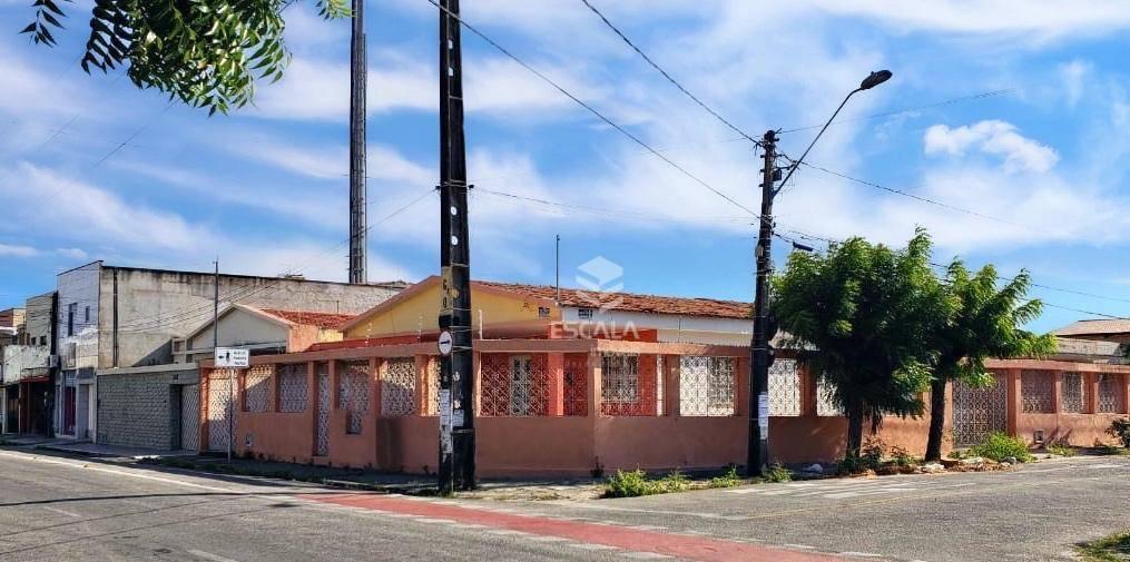 Casa com 3 dormitórios à venda, 310 m² por R$ 850.000,00 - Parquelândia - Fortaleza/CE