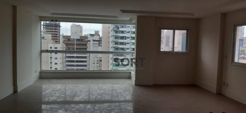 Apartamento com Churrasqueira, sacada integrada, 3 suítes, 2 vagas, Balneário Camboriú
