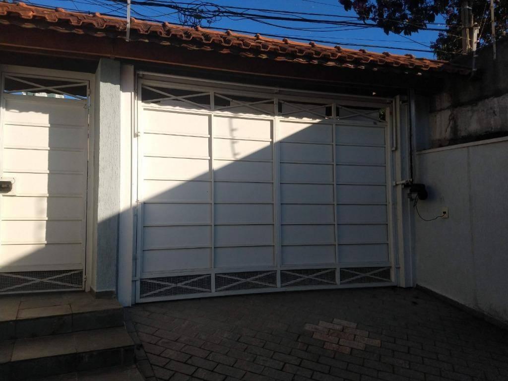 Sobrado com 3 dormitórios à venda, 273 m² por Vila Bastos -
