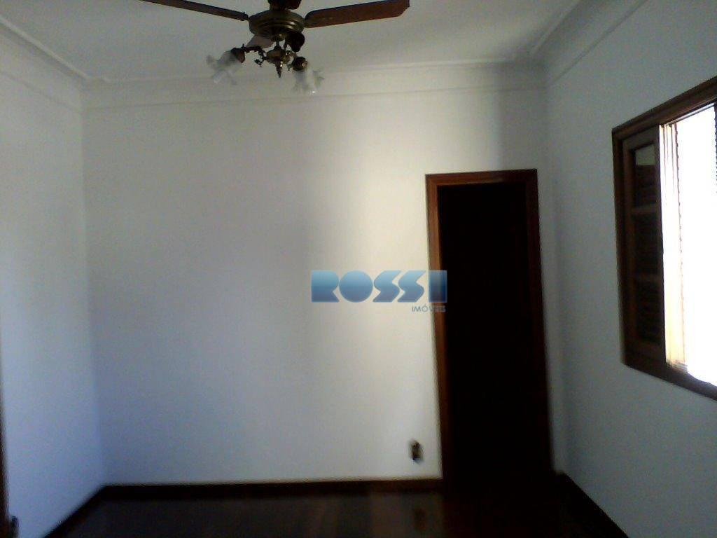 sobrado estilo chalé no parque da mooca, contendo 3 dormitórios, sendo 1 suíte, sala living 2...
