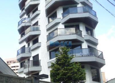 Apartamento alto padrão Parque da Mooca em praça arborizada.