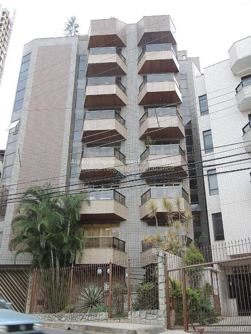 Apartamento com 3 dormitórios para alugar, 100 m² por R$ 1.200/mês - Cascatinha - Juiz de Fora/MG
