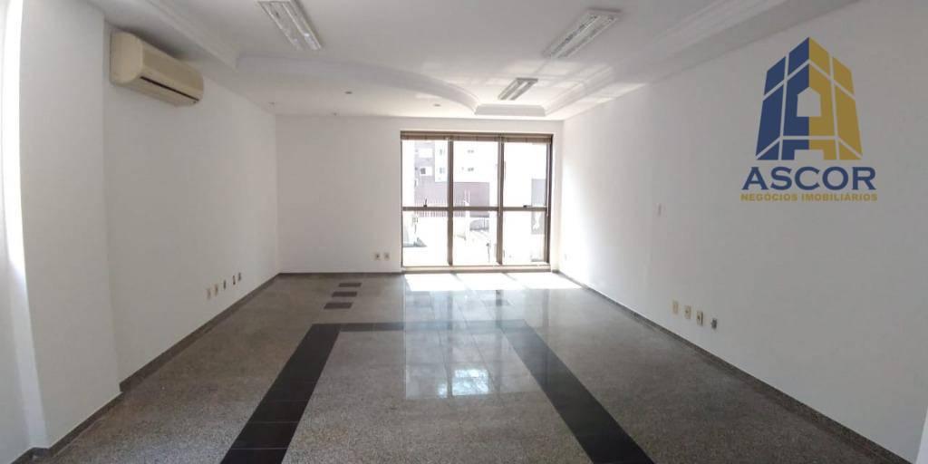 Sala comercial ampla, em ótima localização, no centro!  Venda, Centro, Florianópolis. - SA0176