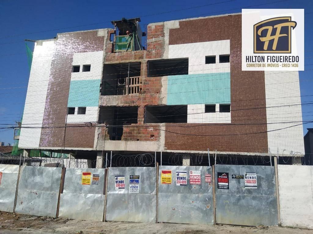 Apartamento com 2 dormitórios s/ 01 suite à venda, 47 m² por R$ 165.000 - Castelo Branco - João Pessoa/PB
