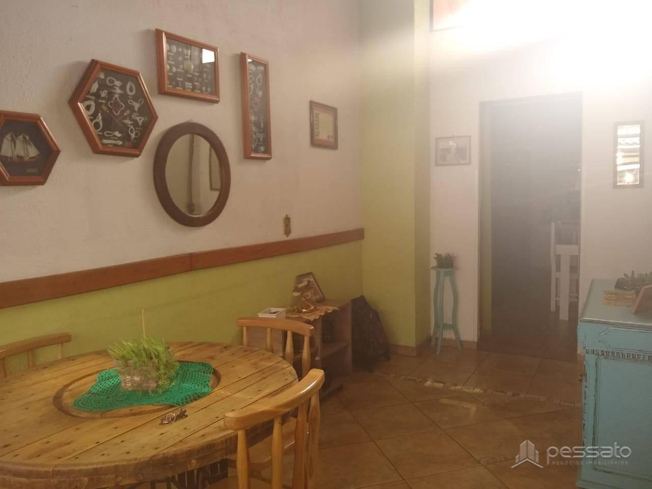 casa 3 dormitórios em Cachoeirinha, no bairro Parque Da Matriz