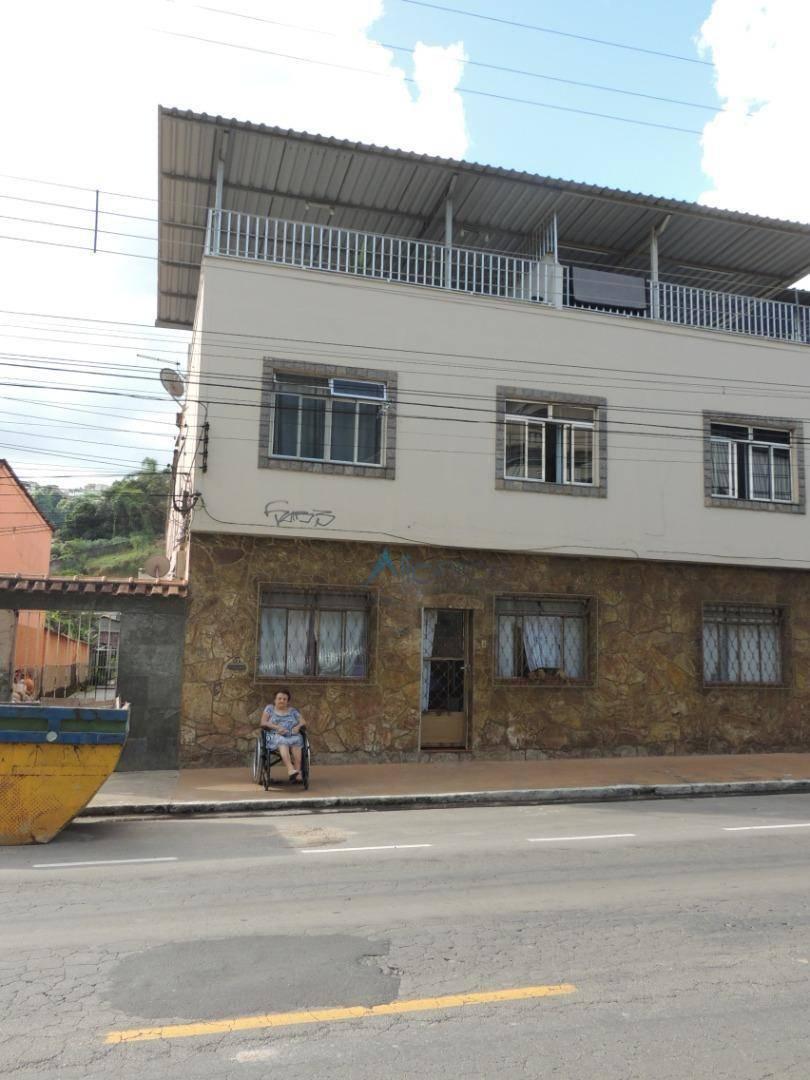 Casa com 2 dormitórios para alugar, 76 m² por R$ 800/mês - Santa Terezinha - Juiz de Fora/MG