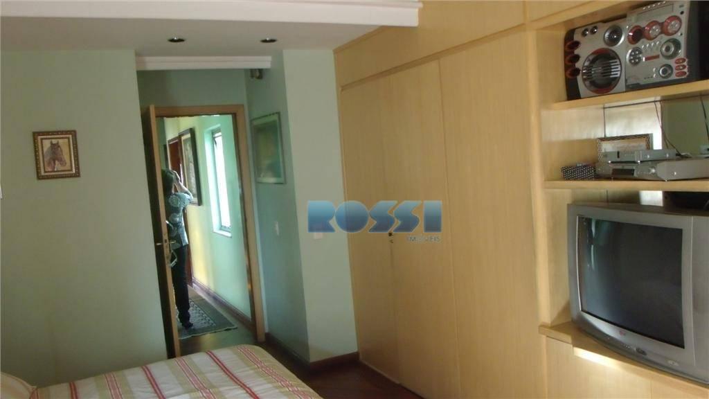 sobrado excelente. todo reformado. 03 pavimentos.04 dormitórios, sendo 01 suíte com closet. sala para 03 ambientes....