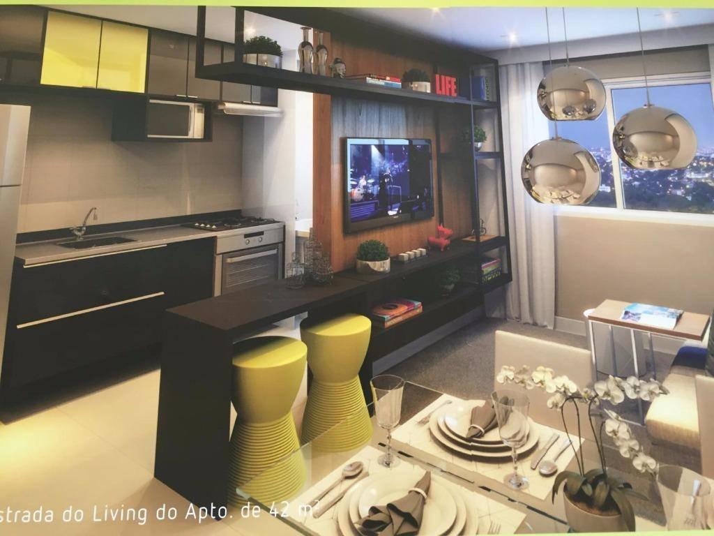 Apartamento residencial à venda, de 42m² e 2 dormitórios, no Parque São Vicente, Mauá.