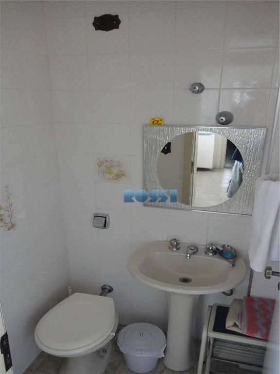 amplo apartamento. 03 dormitórios com armários, sendo 01 suíte com closet. 03 wcs. sala 03 ambientes...