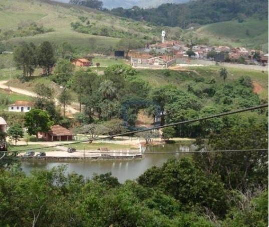 Belíssimo Terreno -  Condomínio & Clube Fazenda Arcadas -  Amparo.