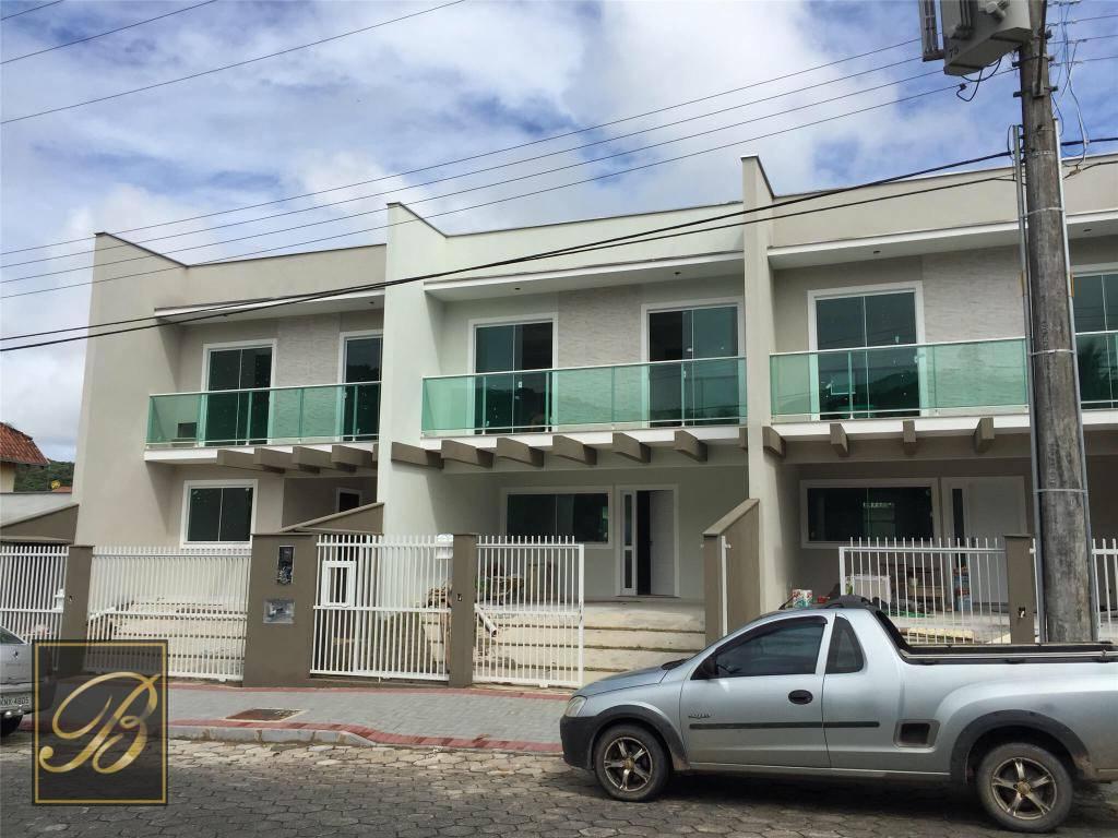 Sobrado residencial à venda, Costa e Silva, Joinville.