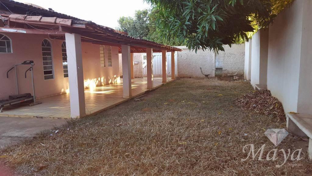 Casa 4 Quartos, 193 m² c/ edícula na 806 Sul