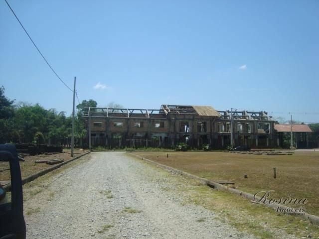 ótimos terrenos para venda dentro do condomínio residencial rosina. áreas para venda:área a/1 medindo 2.123,38 m²...