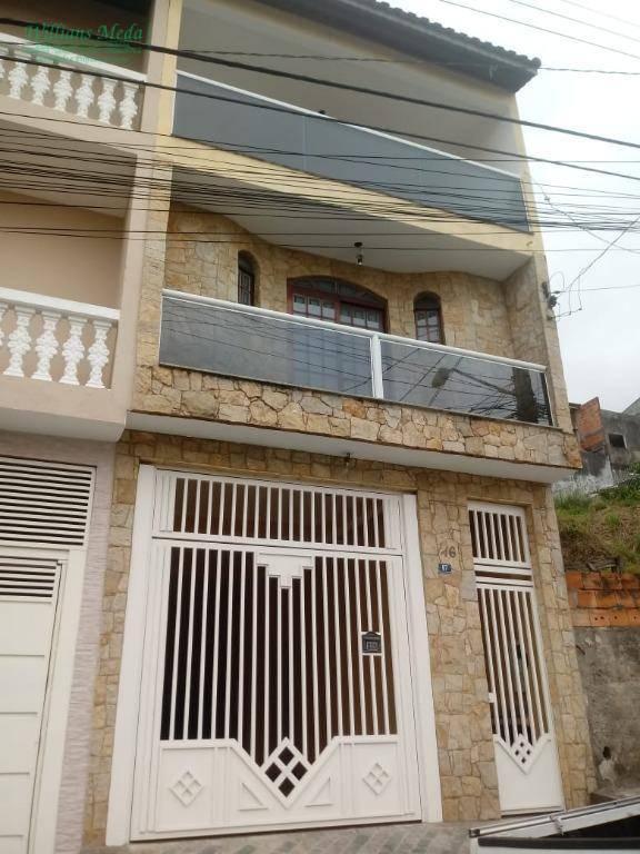 Sobrado com 2 dormitórios à venda, 282 m² por R$ 600.000