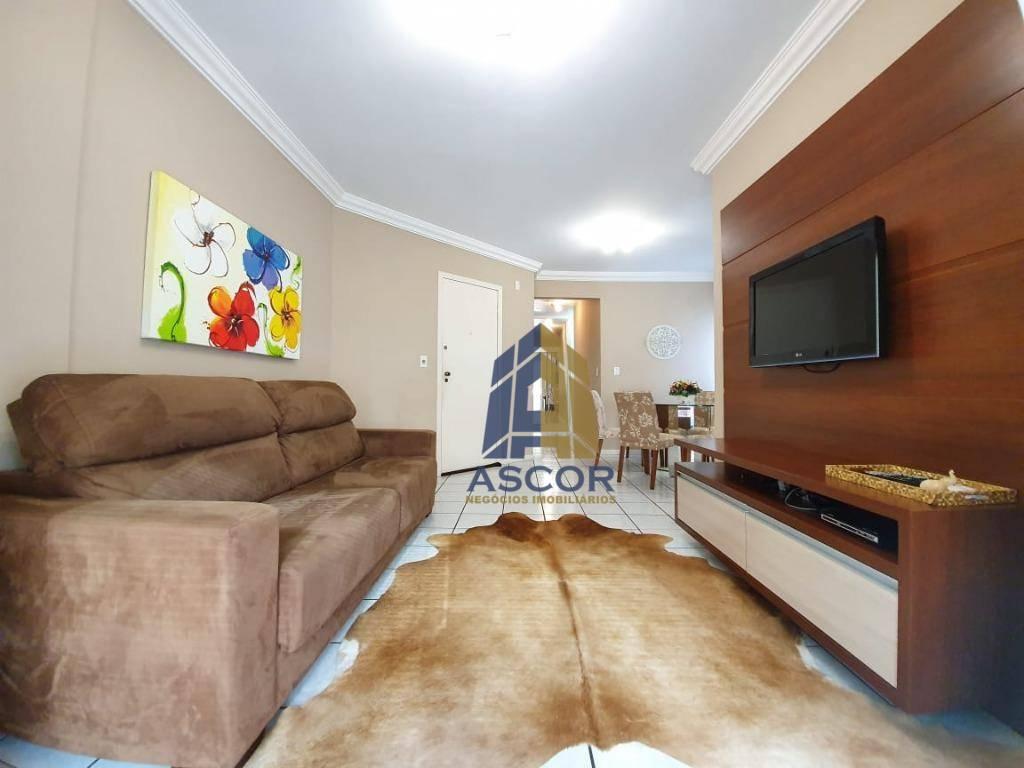 Apartamento mobiliado com 2 dormitórios sendo 1 suite, aproximadamente 80 m² de área privativa, sacada com churrasqueira a carvão, 01 vaga de garagem