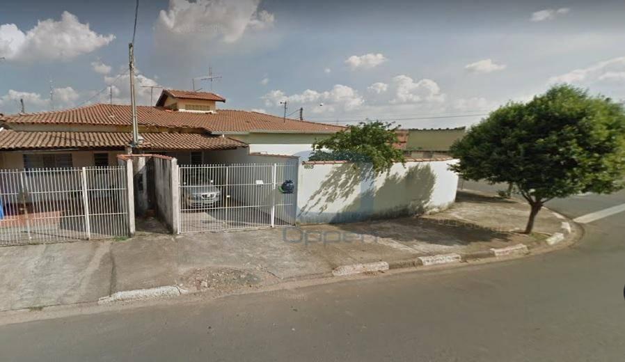 Oportunidade: Terreno com 4 casas com 2 dormitórios cada, ideal para creche, clinicas, consultórios-Paulinia-SP