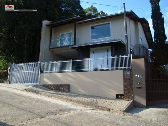 Sobrado à venda  no Boa Vista - Joinville, SC. Imóveis