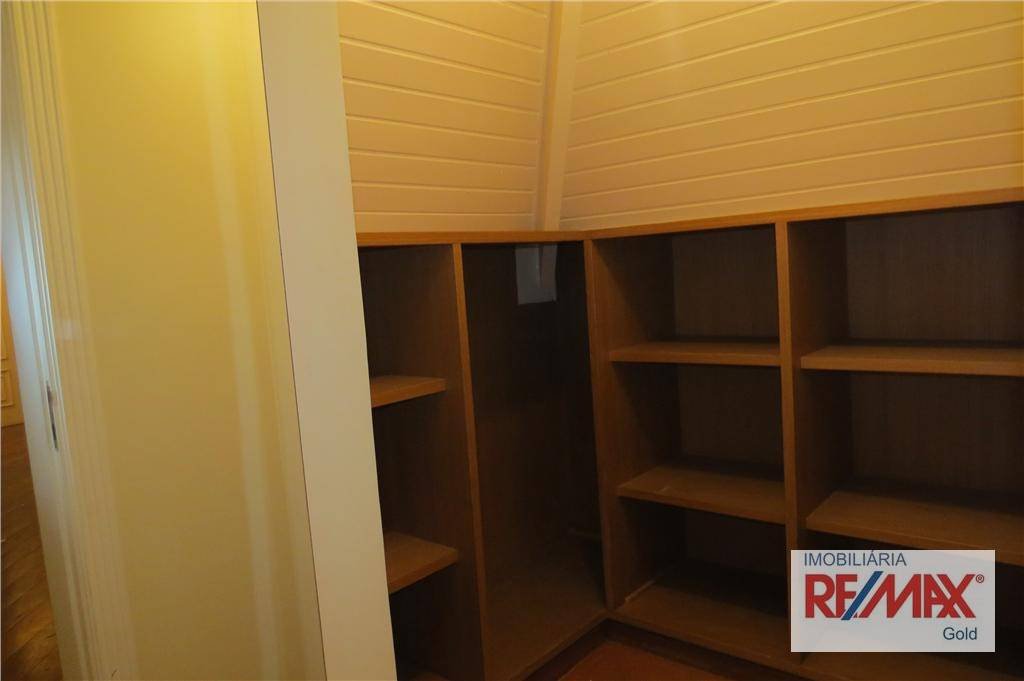 Casa de 4 dormitórios à venda em Residencial Tamboré, Barueri - SP