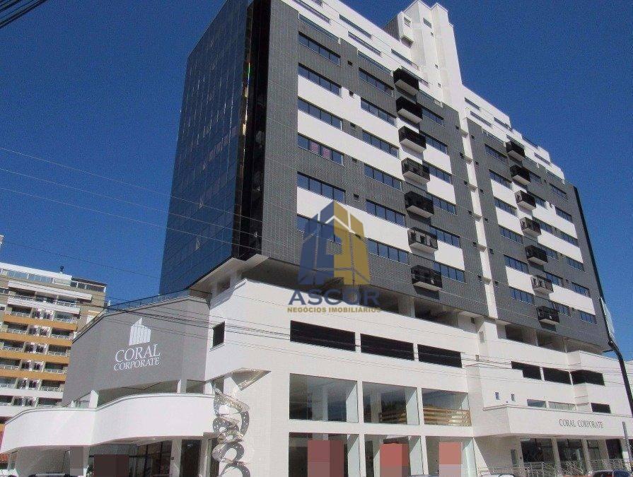 Salas comerciais em Coqueiros, com paisagem de cartão postal, Florianópolis.
