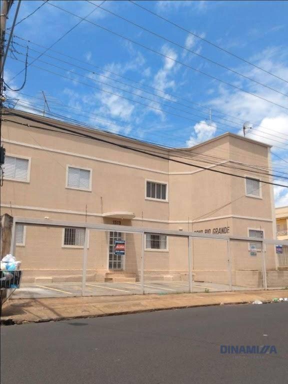 Apartamento com 2 dormitórios para alugar, 55 m² por R$ 650,00/mês - Santa Maria - Uberaba/MG