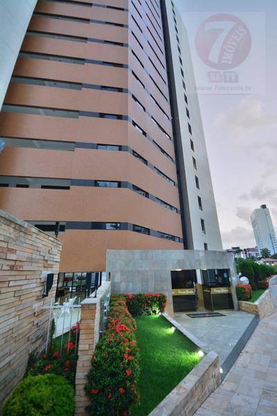 Apartamento com 185 m² de área privativa, próximo à Av. Ruy