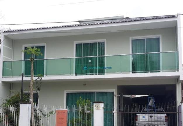 Casa com 4 dorms à venda no bairro São Sebastião em Palhoça