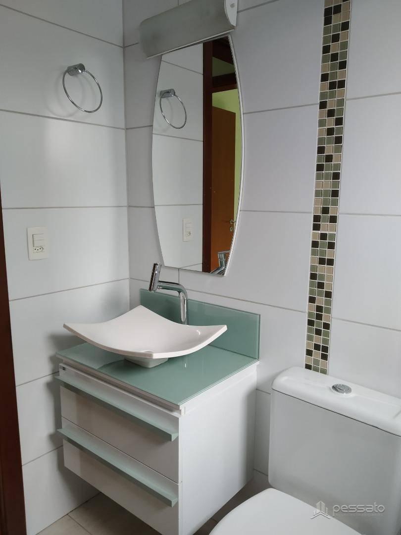 casa 3 dormitórios em Gravataí, no bairro Villa Lucchesi