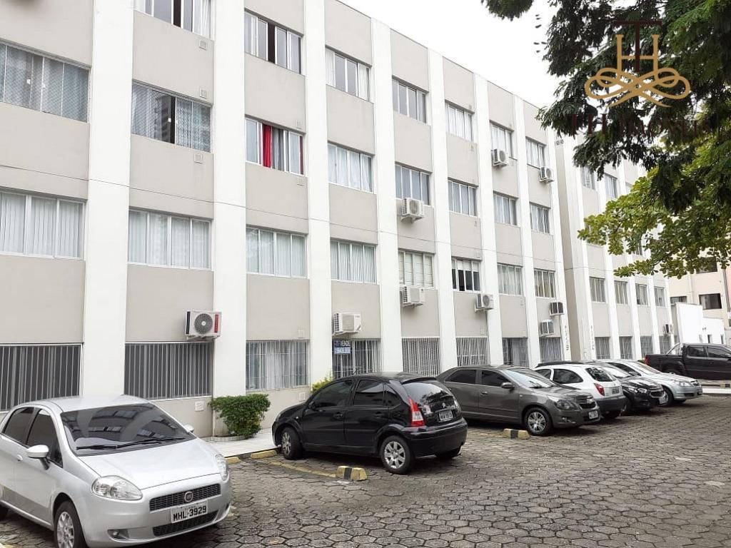 Apartamento 2 Suítes + 1 Dormitório no Centro de Balneário Camboriú
