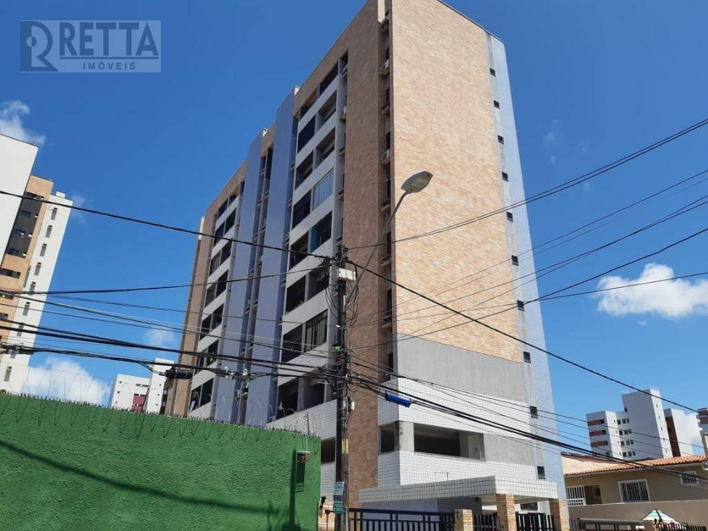 Apartamento com 3 dormitórios para alugar, 58 m² por R$ 1.300,00/mês - Fátima - Fortaleza/CE