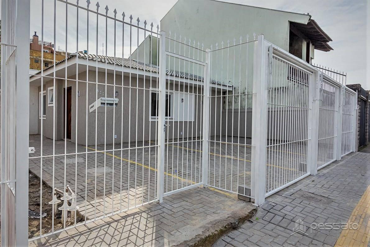 casa 2 dormitórios em Cachoeirinha, no bairro Vila Ponta Porã