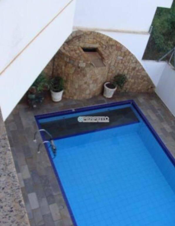 Casa com 5 dormitórios à venda, 700 m² por R$ 1.100.000 - Centro - Cambé/PR