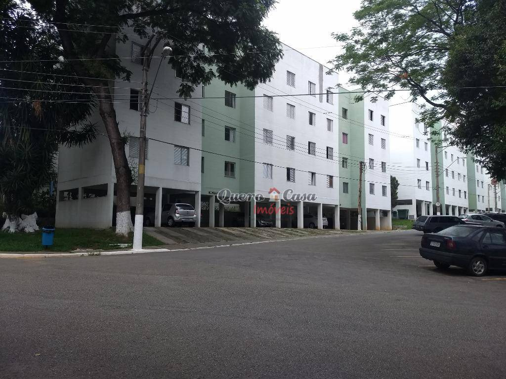 Apartamento com 2 dormitórios à venda, 60 m² por R$ 210.000