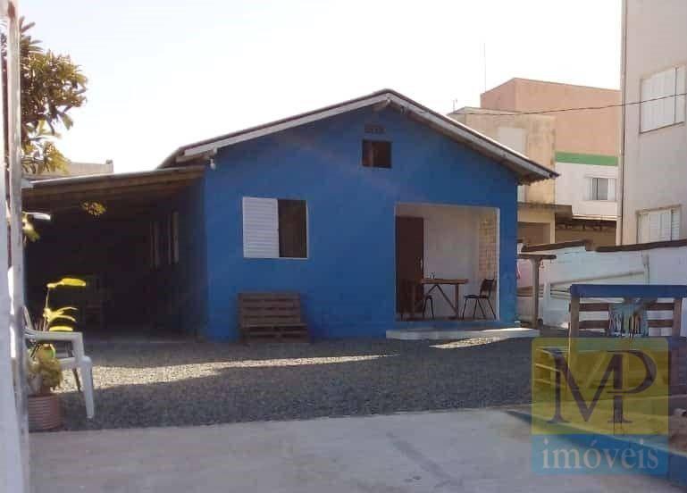Casa com 3 dormitórios, 108 m² por R$ 300.000 - Centro - Penha/SC