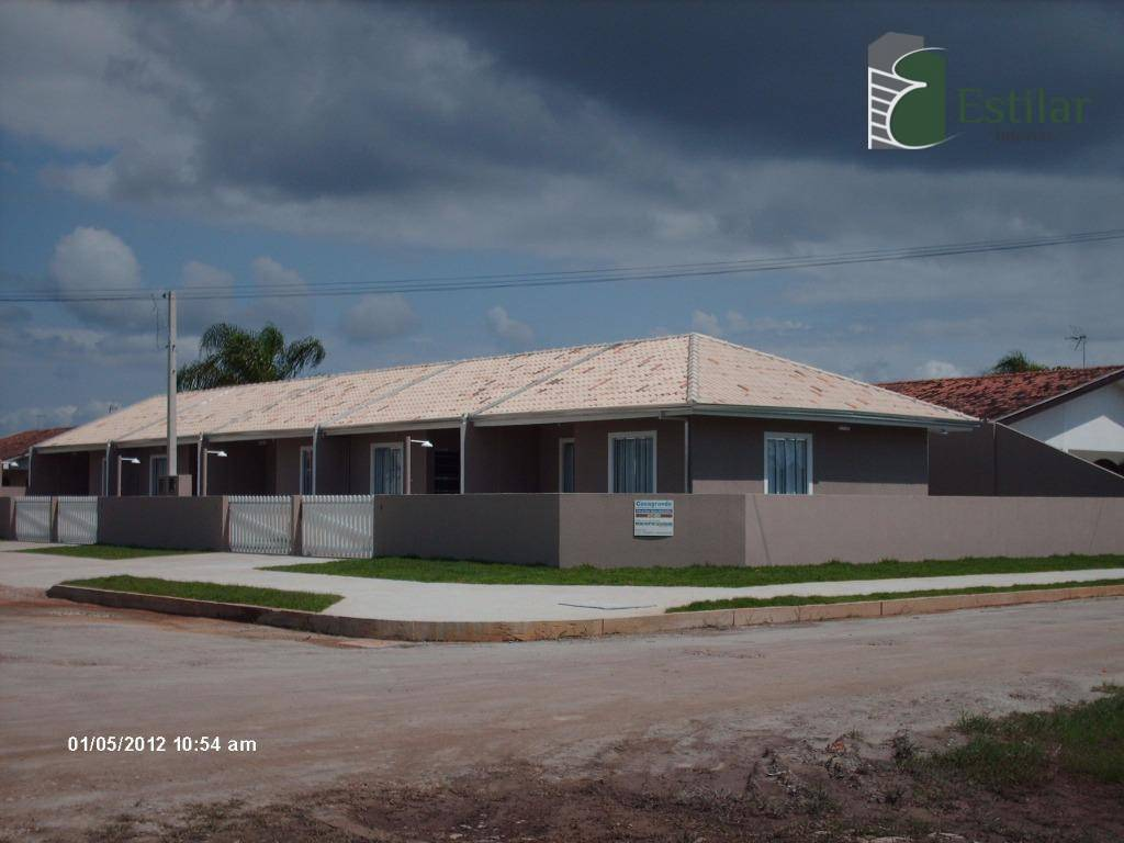 Casa  02 quartos em Coroados, Guaratuba.