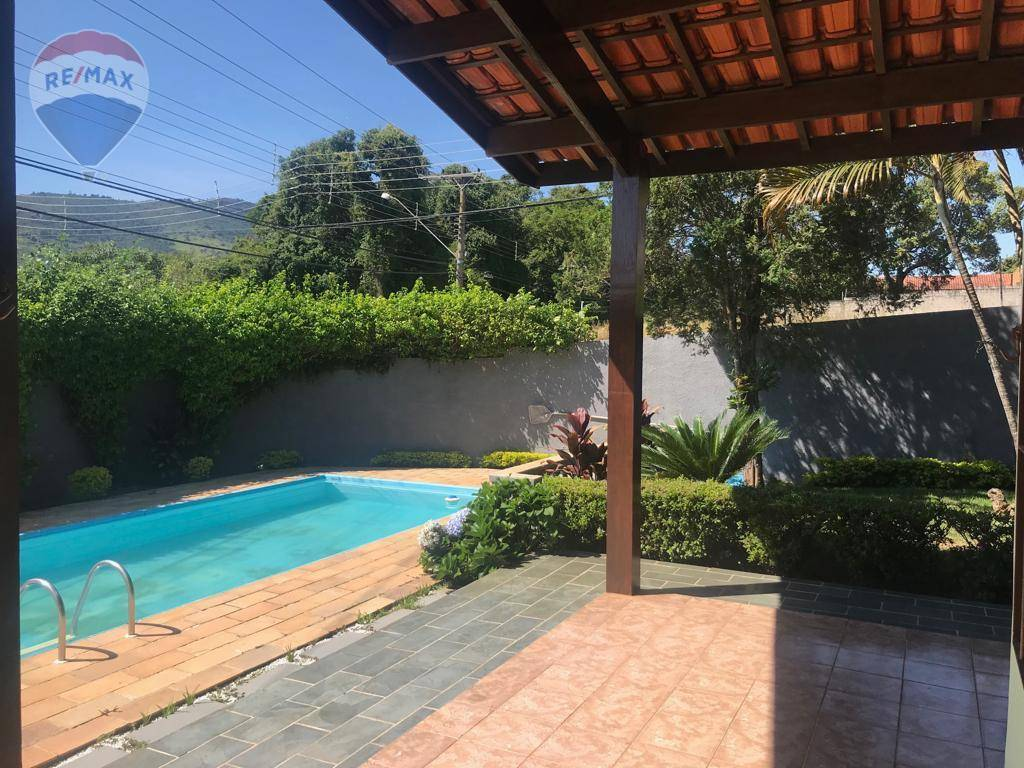 Casa com 3 dormitórios para alugar, 200 m² por R$ 4.800,00/mês - Vila Esperia Ou Giglio - Atibaia/SP
